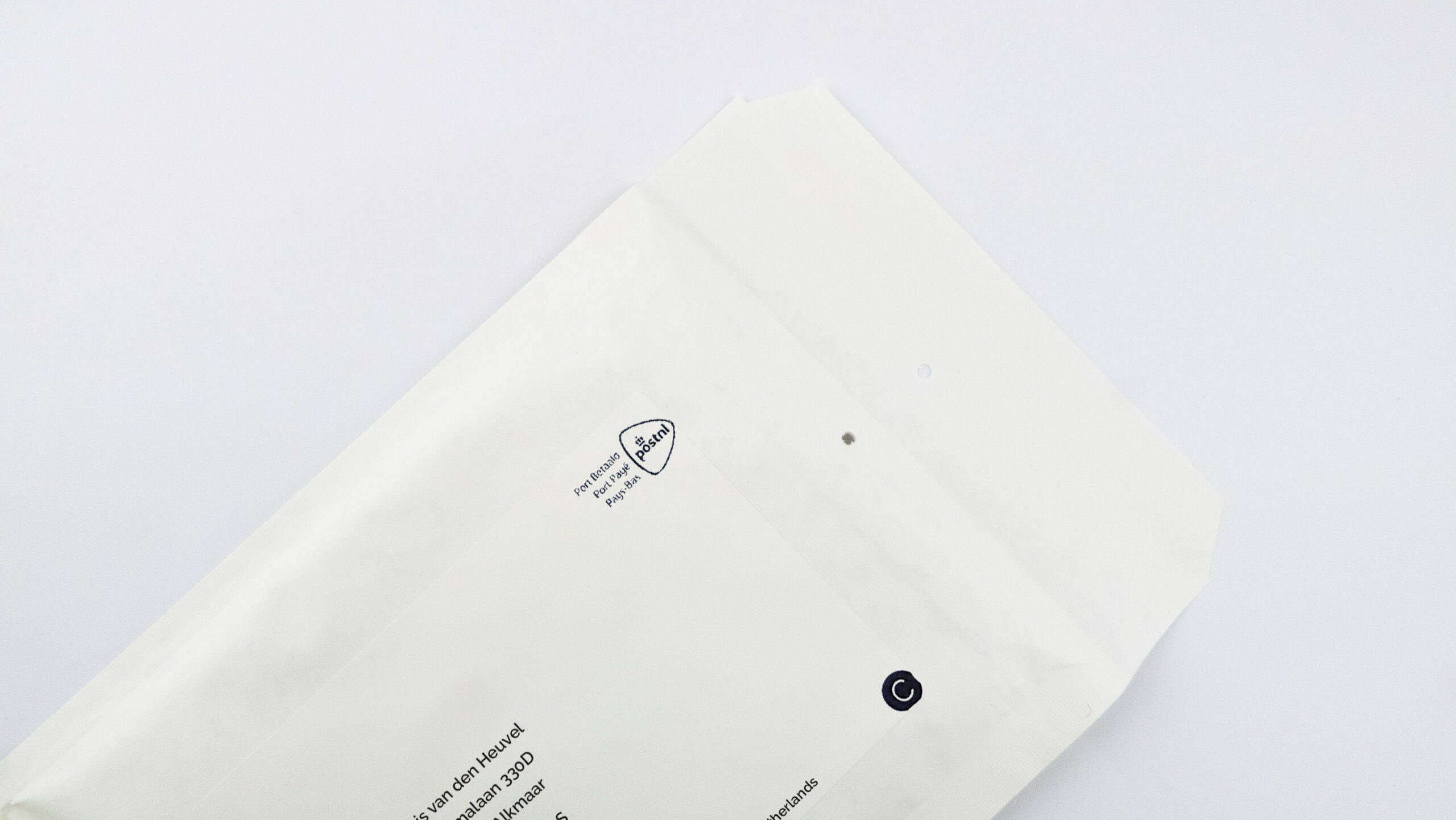 Outer case of Invition standar white label packaging